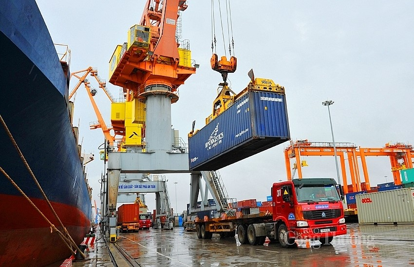 Xuất nhập khẩu hàng hoá của Việt Nam trong tháng 5 ước đạt 53,5 tỷ USD
