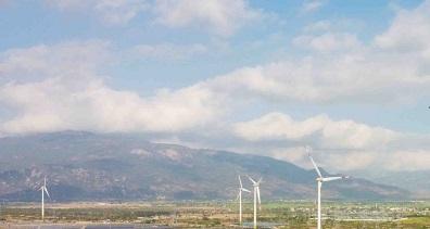 Ninh Thuận: Khánh thành nhà máy điện gió lớn nhất Việt Nam kết hợp với nhà máy điện mặt trời 204MW